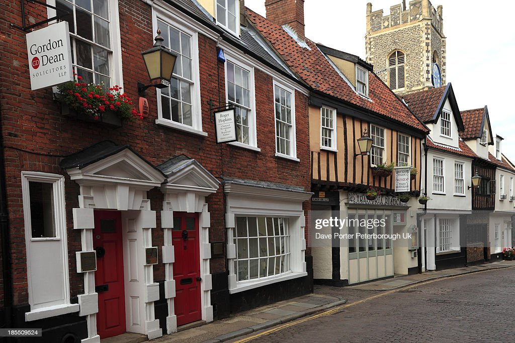 narrow cobbled street, the Lanes, Norwich