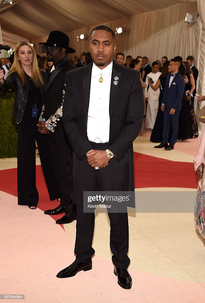 Nas attends 'Manus x Machina: Fashion In An Age Of Technology' Costume Institute Gala at Metropolitan Museum of Art on May 2, 2016 in New York City.