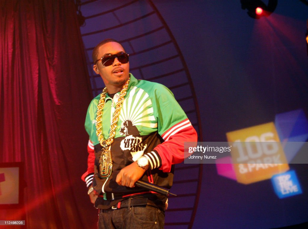 <a gi-track='captionPersonalityLinkClicked' href=/galleries/search?phrase=Nas&family=editorial&specificpeople=204627 ng-click='$event.stopPropagation()'>Nas</a> during Jay Z Performs on 106 & Park with <a gi-track='captionPersonalityLinkClicked' href=/galleries/search?phrase=Nas&family=editorial&specificpeople=204627 ng-click='$event.stopPropagation()'>Nas</a>, Pharrell and Timbaland - November 8, 2006 at BET Studios in New York City, New York, United States.