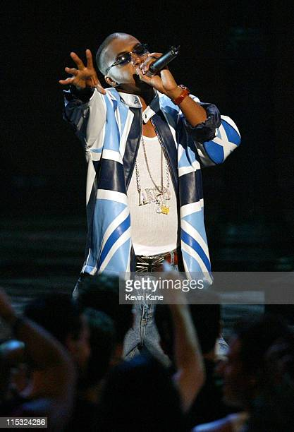 Nas performs at the 2002 MTV Video Music Awards during 2002 MTV Video Music Awards Show at Radio City Music Hall in New York City New York United...
