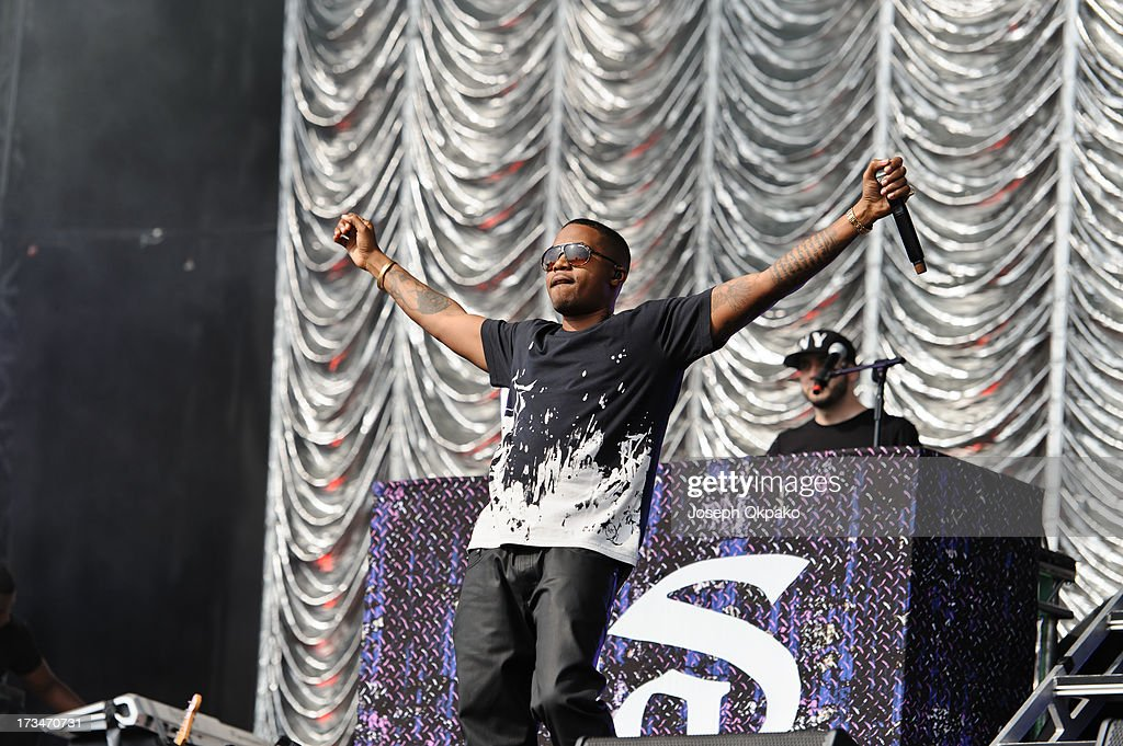 <a gi-track='captionPersonalityLinkClicked' href=/galleries/search?phrase=Nas&family=editorial&specificpeople=204627 ng-click='$event.stopPropagation()'>Nas</a> performs on day 3 of the Yahoo! Wireless Festival at Queen Elizabeth Olympic Park on July 14, 2013 in London, England.