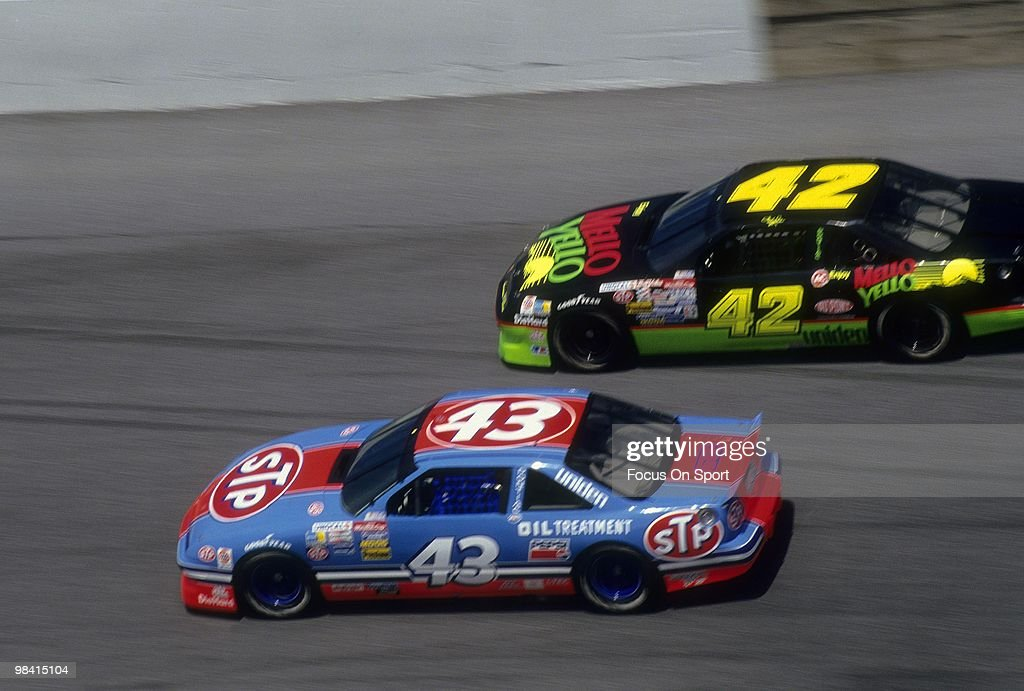 nascar-driver-richard-petty-in-action-in