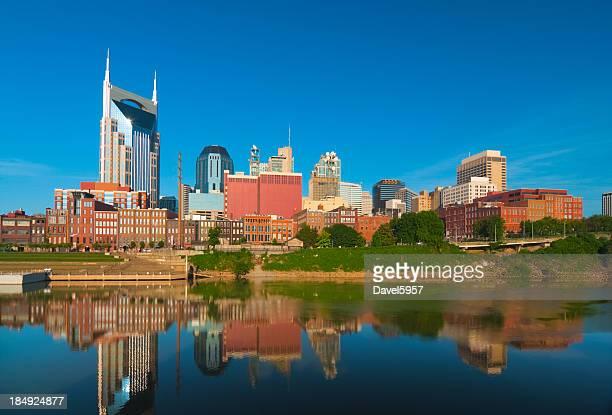 Estação do centro da cidade de skyline de Nashville e Rio