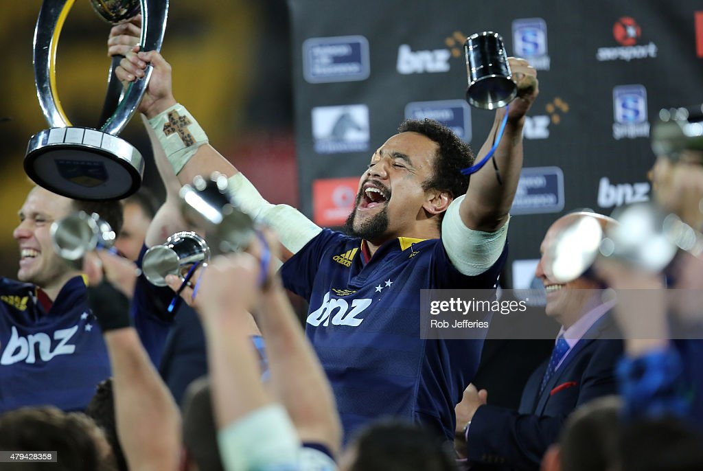 Nasi Manu of the Highlanders celebrates winning the Super Rugby Title between the Hurricanes and the Highlanders at Westpac Stadium on July 4, 2015 in Wellington, New Zealand.