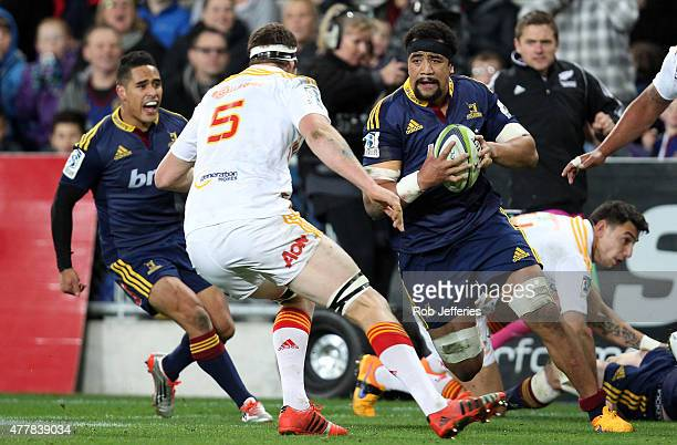 Nasi Manu of the Highlanders on the charge during the Super Rugby Qualifying Final match between the Highlanders and the Chiefs at Forsyth Barr...
