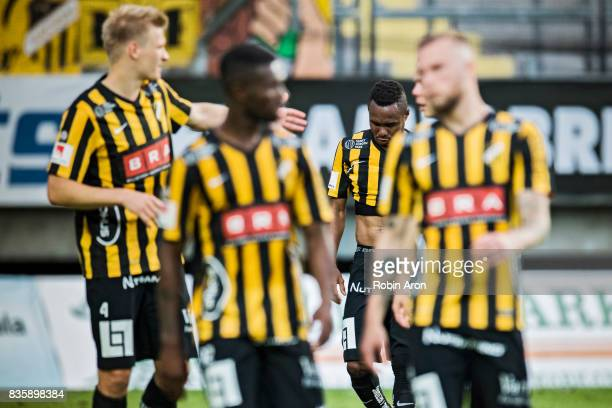 Nasiru Mohammed and players of BK Hacken dejected after the Allsvenskan match between IFK Goteborg and BK Hacken at Gamla Ullevi on August 20 2017 in...