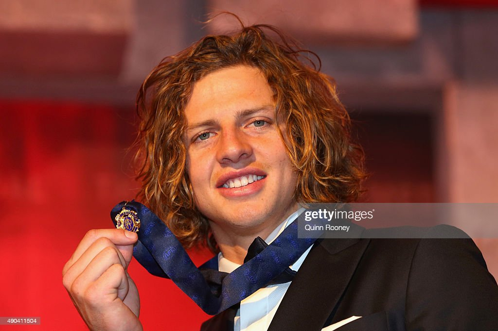 Nat Fyfe of the Dockers poses after winning the 2015 Brownlow Medal at the 2015 Brownlow Medal at Crown Palladium on September 28, 2015 in Melbourne, Australia.