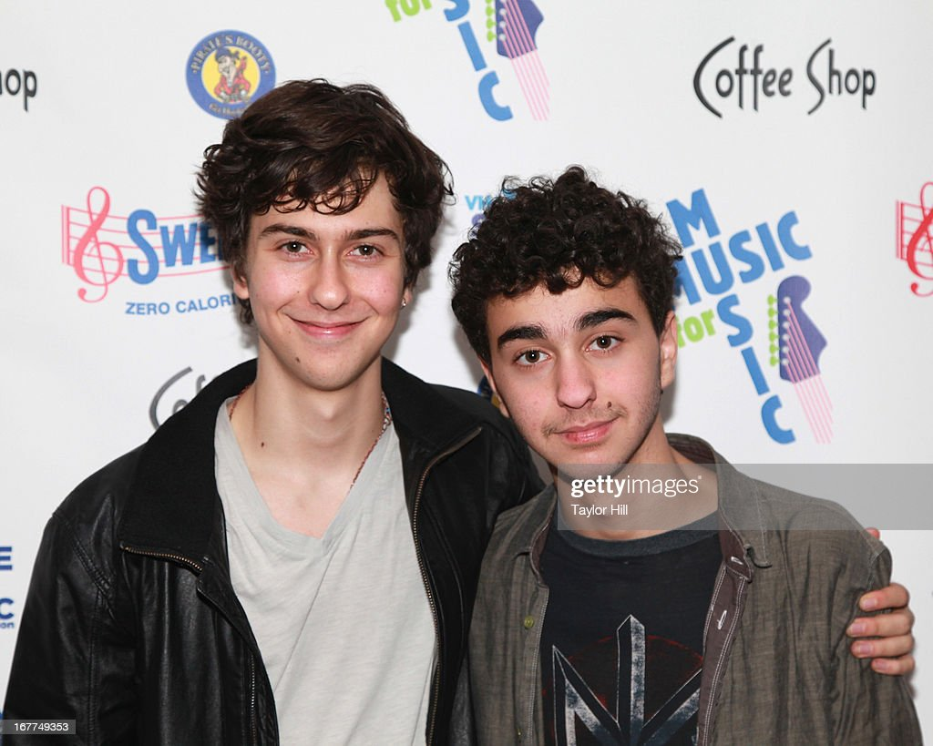 <a gi-track='captionPersonalityLinkClicked' href=/galleries/search?phrase=Nat+Wolff&family=editorial&specificpeople=4183919 ng-click='$event.stopPropagation()'>Nat Wolff</a> and <a gi-track='captionPersonalityLinkClicked' href=/galleries/search?phrase=Alex+Wolff&family=editorial&specificpeople=4183928 ng-click='$event.stopPropagation()'>Alex Wolff</a>, formerly of The Naked Brothers Band, attend the Music for Music showcase benefiting VH1 Save the Music at The Union Square Ballroom on April 28, 2013 in New York City.