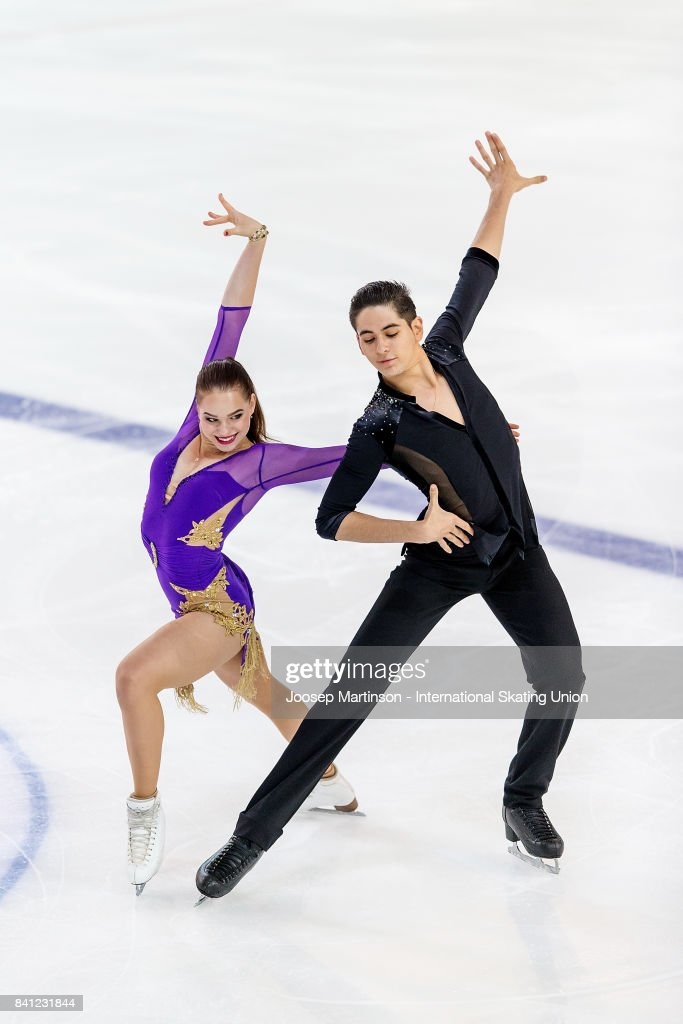 Франция земная - Страница 7 Natacha-lagouge-and-corentin-rahier-of-france-compete-in-the-junior-picture-id841231844