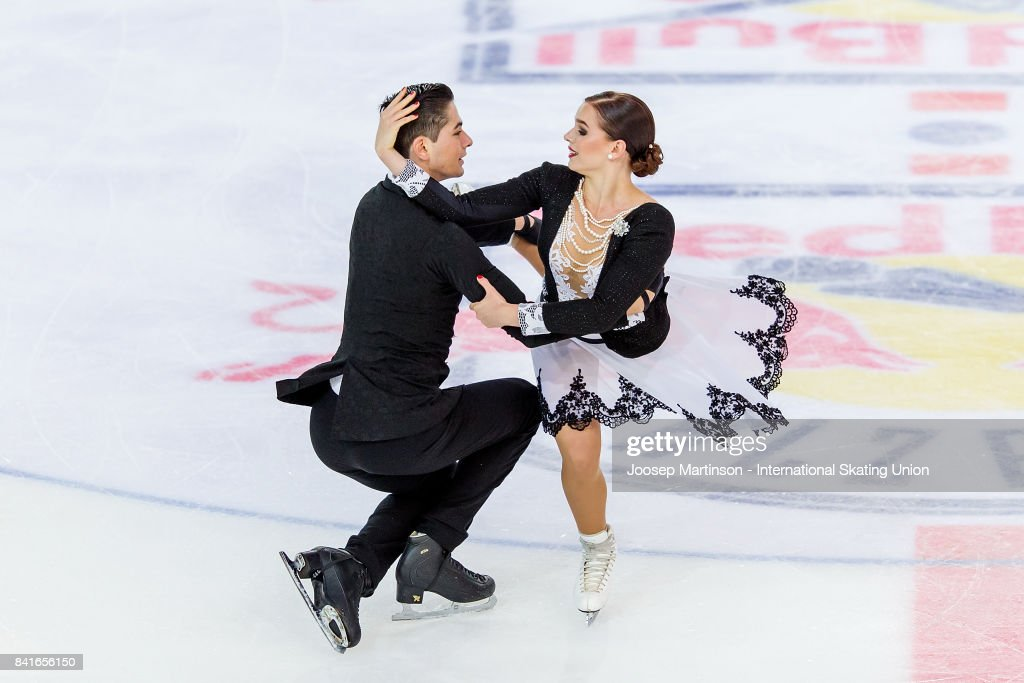 Франция земная - Страница 7 Natacha-lagouge-and-corentin-rahier-of-france-compete-in-the-junior-picture-id841656150