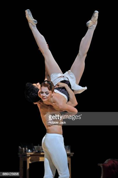 Natalia Osipova as Amelie Gautreau and Federico Bonelli as Dr SamuelJean Pozzi in the Royal Ballet's production of Christopher Weeldon's Strapless at...
