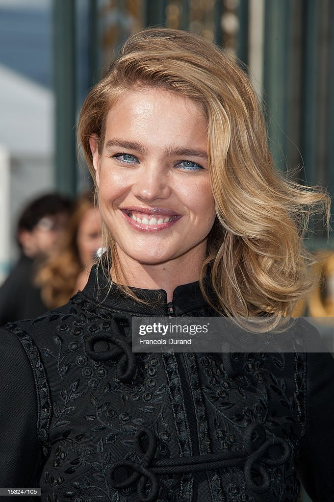 Natalia Vodianova arrives at the Valentino Spring / Summer 2013 show as part of Paris Fashion Week at Espace Ephemere Tuileries on October 2, 2012 in Paris, France.