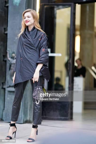 Natalia Vodianova outside Shiatzy Chen during Paris Fashion Week Womenswear Spring/Summer 2018 on October 2 2017 in Paris France
