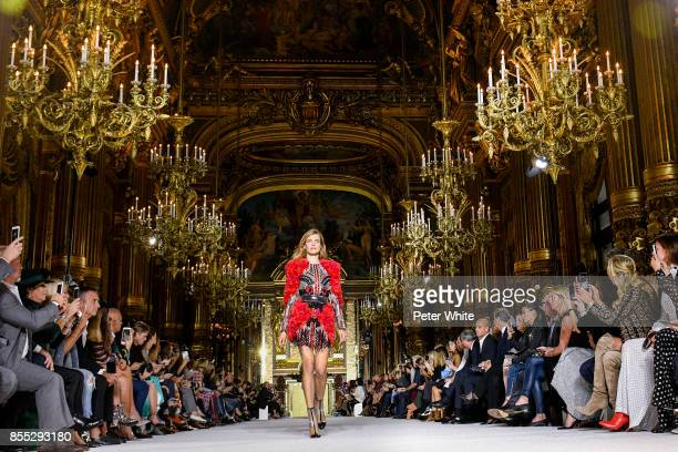 Natalia Vodianova walks the runway during the Balmain show as part of the Paris Fashion Week Womenswear Spring/Summer 2018 on September 28 2017 in...