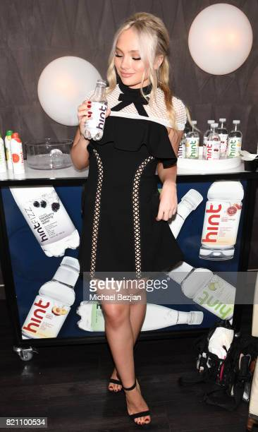 Natalie Alyn Lind attends Comic Con TVLine Media Lounge Sponsored By Hint July 22 2017 in San Diego California J