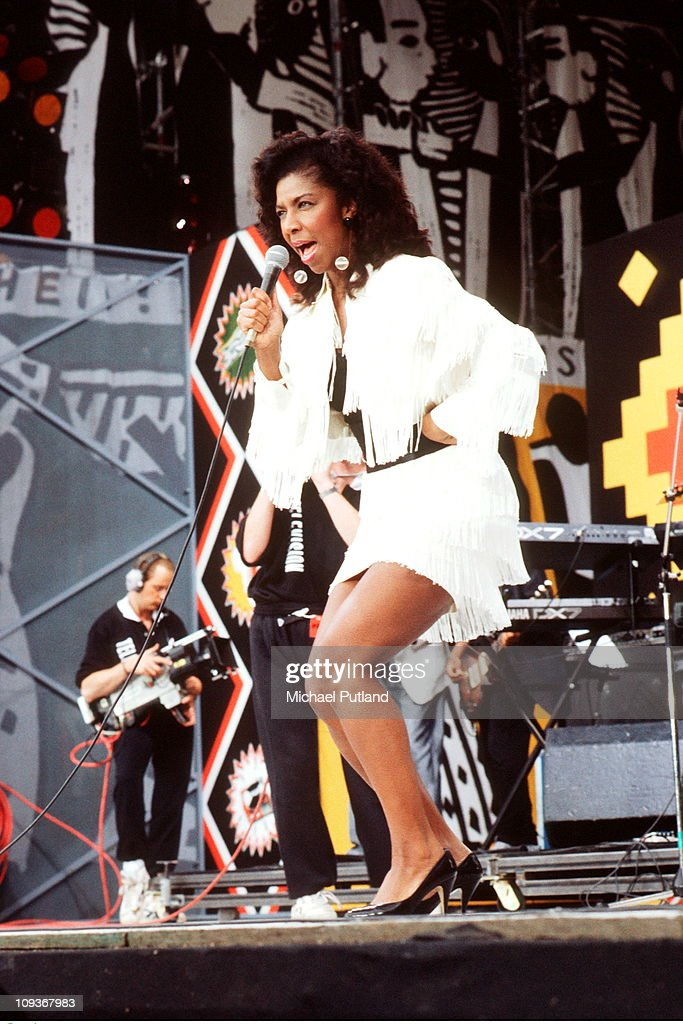 Natalie Cole performs on stage at the Nelson Mandela 70th Birthday Tribute Concert Wembley London 11th June 1988