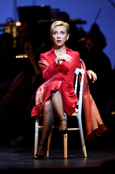 natalie dessay french opera singer Natalie dessay is a regular collaborator with michel legrand and together they have performed all over the world she is also a committed recital singer, frequently performing french melodies and german lieder with laurent naouri.