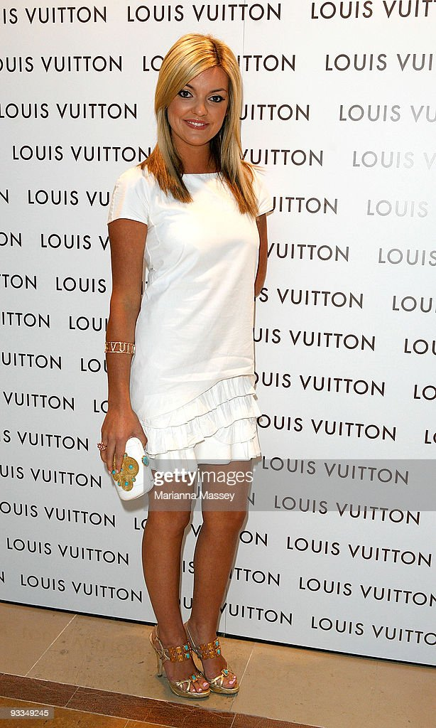 Natalie Hunter arrives for the official opening of the new Louis Vuitton store at the Chadstone Shopping Centre on November 24, 2009 in Melbourne, Australia.