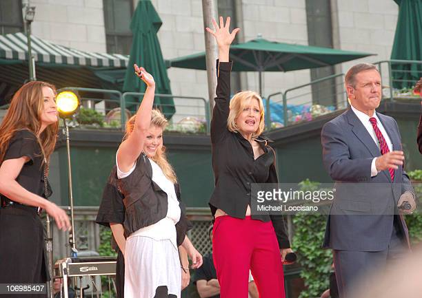 Natalie Maines and Emily Robison of the Dixie Chicks with Diane Sawyer and Charles Gibson