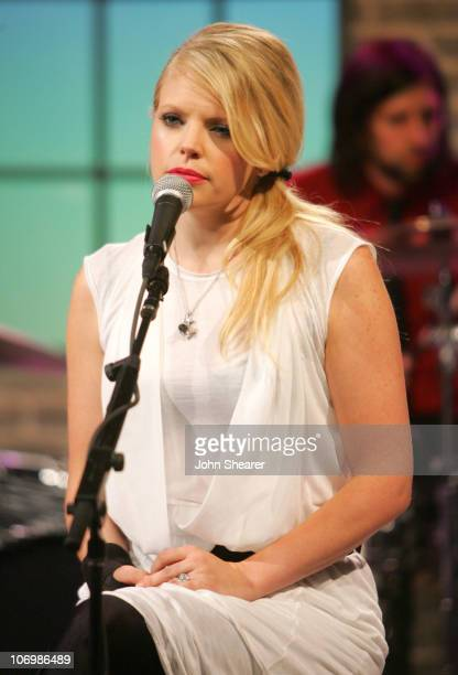 Natalie Maines of the Dixie Chicks during Amazoncom 'Fishbowl with Bill Maher' June 1 2006 at VPS Studios in Hollywood California United States
