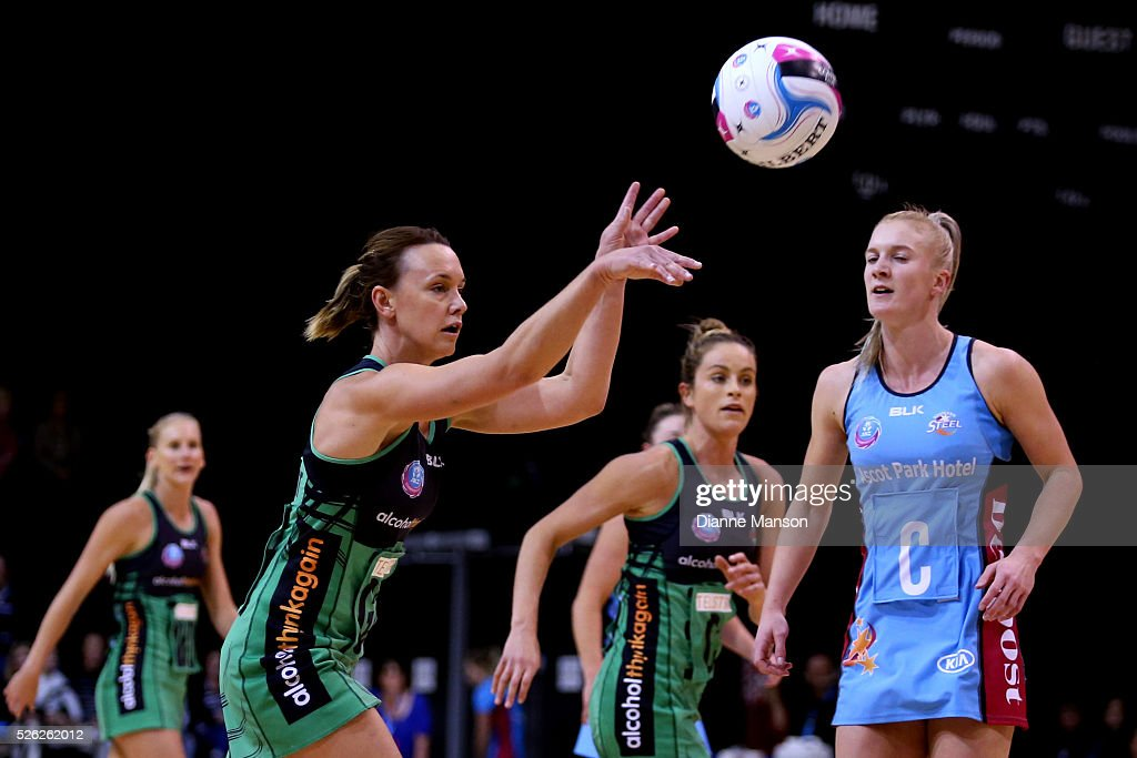 Natalie Medhurst (L) of the Fever passes the ball during the ANZ Championship match between the Steel and the Fever on April 30, 2016 in Invercargill, New Zealand.