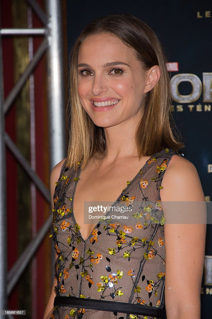 <a gi-track='captionPersonalityLinkClicked' href=/galleries/search?phrase=Natalie+Portman&family=editorial&specificpeople=202035 ng-click='$event.stopPropagation()'>Natalie Portman</a> attends the 'Thor: The Dark World' Paris Premiere at Le Grand Rex on October 23, 2013 in Paris, France.