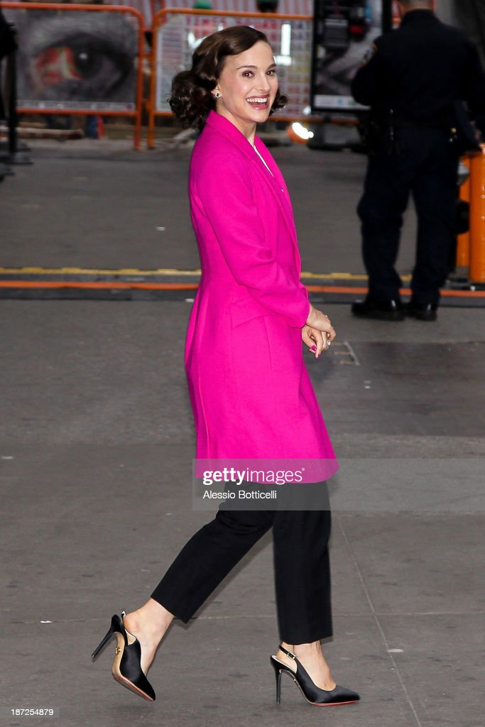 <a gi-track='captionPersonalityLinkClicked' href=/galleries/search?phrase=Natalie+Portman&family=editorial&specificpeople=202035 ng-click='$event.stopPropagation()'>Natalie Portman</a> seen at 'Good Morning America' TV Show on November 7, 2013 in New York City.