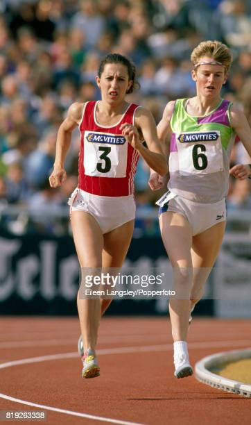 Natalya Artyomova of Russia and Yvonne Murray of Great Britain in action during an athletics meet circa 1990