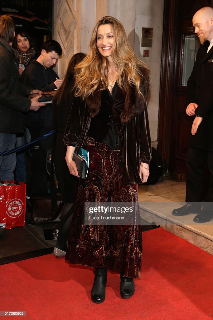 'People, Places & Things' - Red Carpet