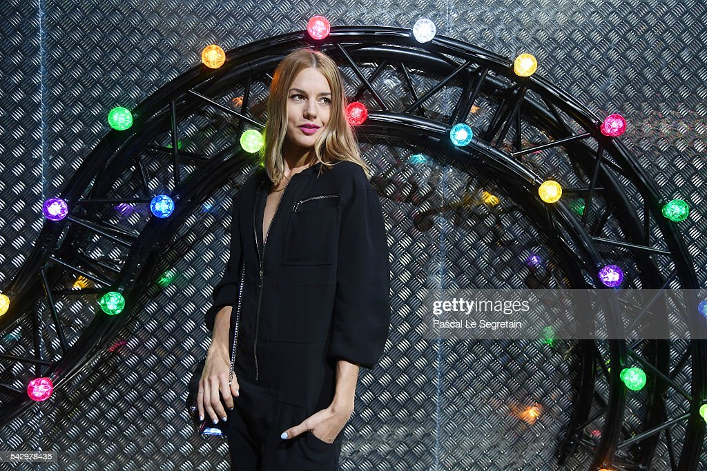 Natasha Andrews attends the Dior Homme Menswear Spring/Summer 2017 show as part of Paris Fashion Week on June 25, 2016 in Paris, France.