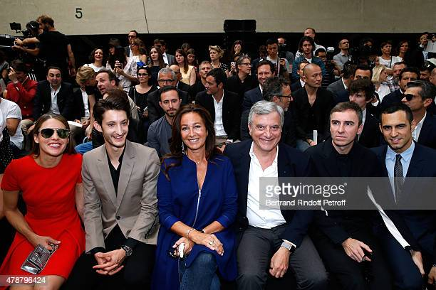 Natasha Andrews Pierre Niney Katia Toledano her husband CEO Dior Sidney Toledano Fashion Designer Raf Simons and Guest attend the Dior Homme Menswear...