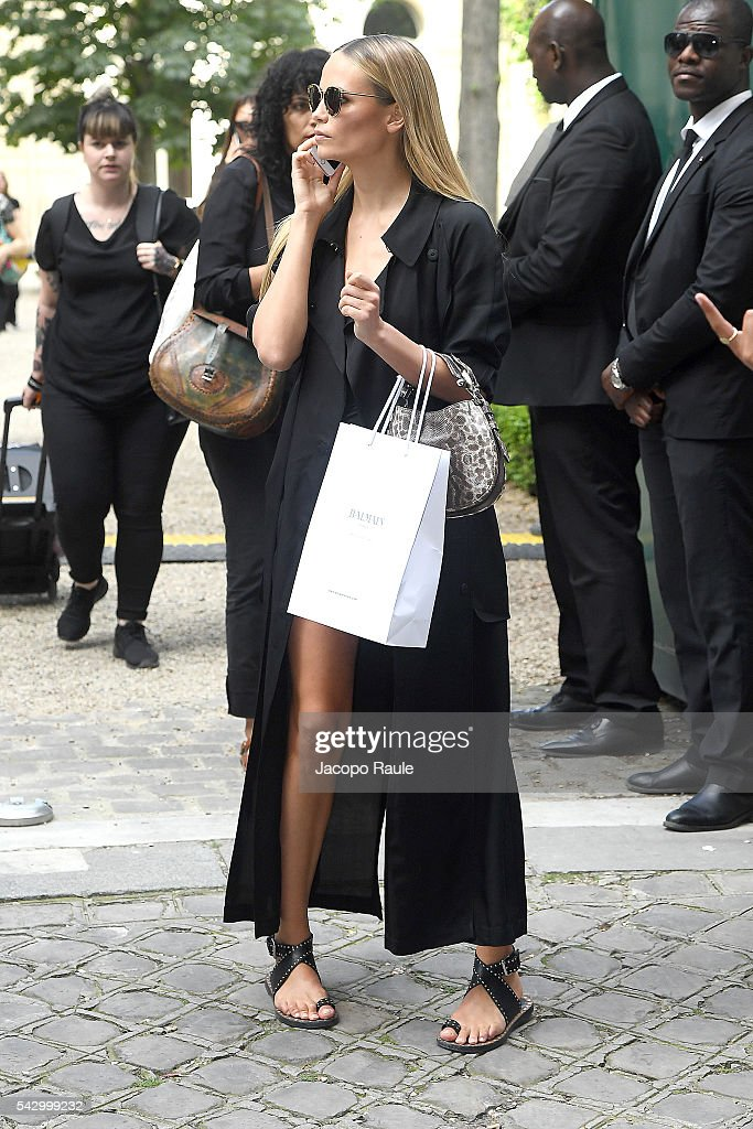 Natasha Poly is seen leaving the Balmain Show during Paris Fashion Week - Menswear Spring/Summer 2017 on June 25, 2016 in Paris, France.