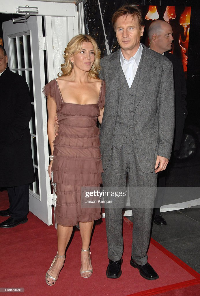 Natasha Richardson and Liam Neeson during 'Dreamgirls' New York City Premiere Arrivals at Ziegfeld Theatre in New York City New York United States