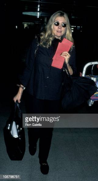 Natasha Richardson during Natasha Richardson Leaving for New York at Los Angeles International Airport in Los Angeles California United States