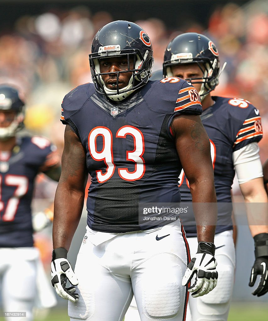 <a gi-track='captionPersonalityLinkClicked' href=/galleries/search?phrase=Nate+Collins&family=editorial&specificpeople=4583475 ng-click='$event.stopPropagation()'>Nate Collins</a> #93 of the Chicago Bears awaits the snap against the Cincinnati Bengals at Soldier Field on September 8, 2013 in Chicago, Illinois. The Bears defeated the Bengals 24-21.