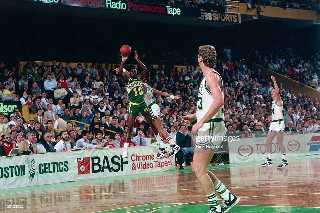 Nate McMillan #10 of the Seattle Supersonics shoots a jump shot against the Boston Celtics during a game played in 1987 at the Boston Garden in Boston, Massachusetts.