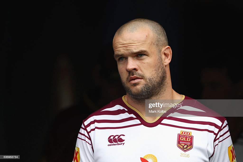 <a gi-track='captionPersonalityLinkClicked' href=/galleries/search?phrase=Nate+Myles&family=editorial&specificpeople=546460 ng-click='$event.stopPropagation()'>Nate Myles</a> walks out of the tunnel during a Queensland Maroons State Of Origin captain's run at ANZ Stadium on May 31, 2016 in Sydney, Australia.