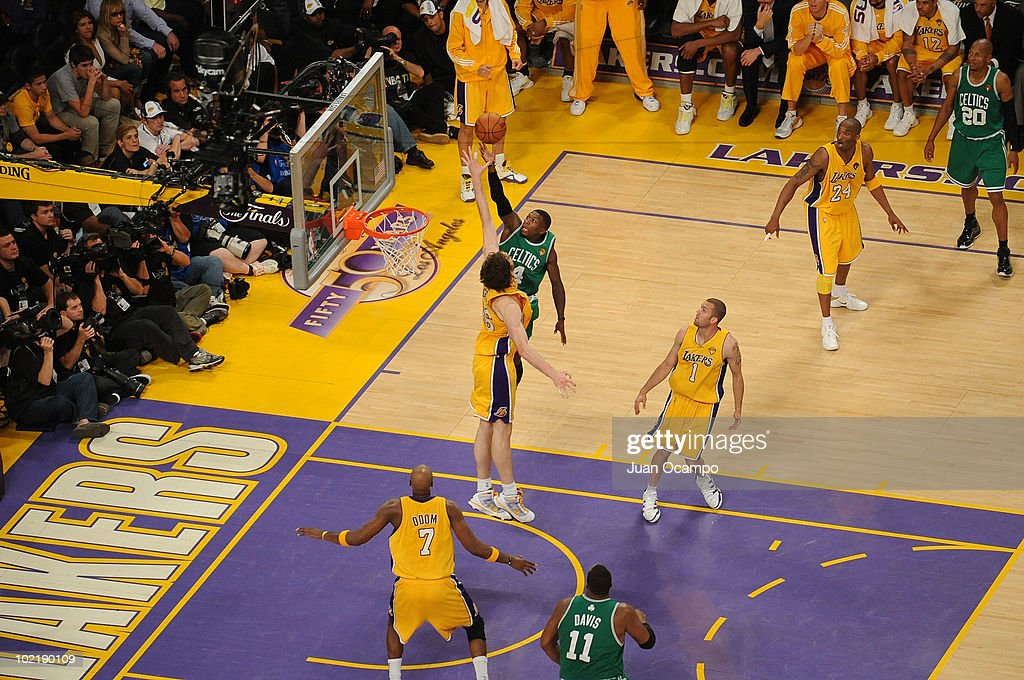 <a gi-track='captionPersonalityLinkClicked' href=/galleries/search?phrase=Nate+Robinson&family=editorial&specificpeople=208906 ng-click='$event.stopPropagation()'>Nate Robinson</a> #4 of the Boston Celtics shoots against <a gi-track='captionPersonalityLinkClicked' href=/galleries/search?phrase=Pau+Gasol&family=editorial&specificpeople=201587 ng-click='$event.stopPropagation()'>Pau Gasol</a> #16 of the Los Angeles Lakers in Game Seven of the 2010 NBA Finals on June 17, 2010 at Staples Center in Los Angeles, California.