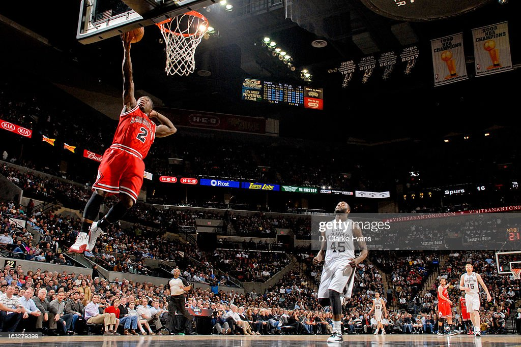 Nate Robinson #2 of the Chicago Bulls shoots a layup on a fast break against the San Antonio Spurs on March 6, 2013 at the AT&T Center in San Antonio, Texas.