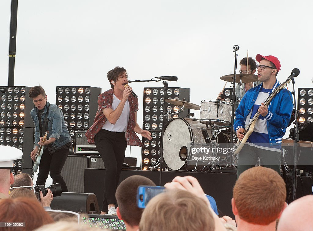 <a gi-track='captionPersonalityLinkClicked' href=/galleries/search?phrase=Nate+Ruess&family=editorial&specificpeople=6897270 ng-click='$event.stopPropagation()'>Nate Ruess</a>, <a gi-track='captionPersonalityLinkClicked' href=/galleries/search?phrase=Andrew+Dost&family=editorial&specificpeople=7336071 ng-click='$event.stopPropagation()'>Andrew Dost</a> and <a gi-track='captionPersonalityLinkClicked' href=/galleries/search?phrase=Jack+Antonoff&family=editorial&specificpeople=2565373 ng-click='$event.stopPropagation()'>Jack Antonoff</a> performs on NBC's 'Today' at Seaside Heights on May 24, 2013 in Seaside Heights, New Jersey.