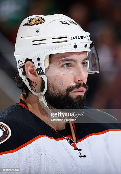 Nate Thompson of the Anaheim Ducks during the NHL game against the Arizona Coyotes at Gila River Arena on March 3 2015 in Glendale Arizona The Ducks...