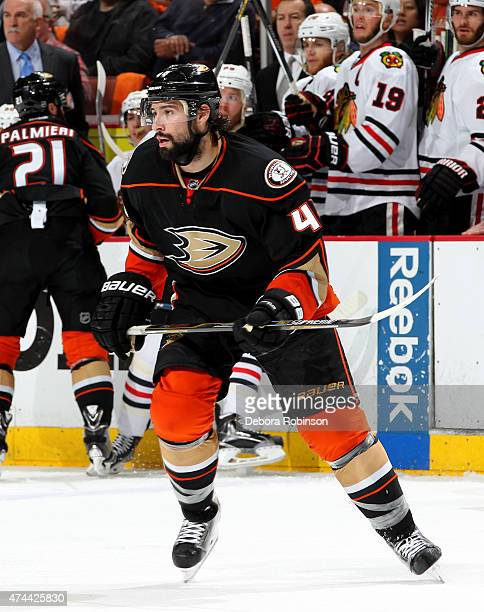 Nate Thompson of the Anaheim Ducks skates against the Chicago Blackhawks in Game Two of the Western Conference Finals during the 2015 NHL Stanley Cup...
