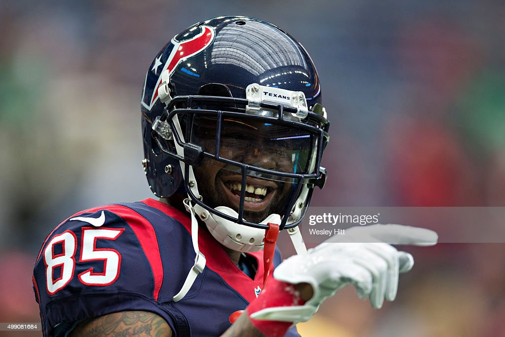 <a gi-track='captionPersonalityLinkClicked' href=/galleries/search?phrase=Nate+Washington&family=editorial&specificpeople=748657 ng-click='$event.stopPropagation()'>Nate Washington</a> #85 of the Houston Texans warming up before a game against the New York Jets at NRG Stadium on November 22, 2015 in Houston, Texas. The Texans defeated the Jets 24-17.