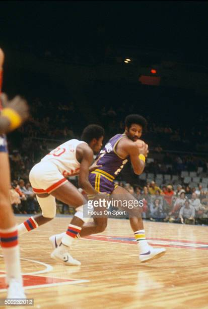 Nate Williams of the New Orleans Jazz looks to put a move on Al Skinner of the New York Nets during an NBA basketball game circa 1976 at the Nassau...