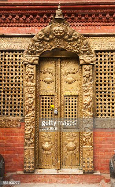 Nateshwar Temple, doorway