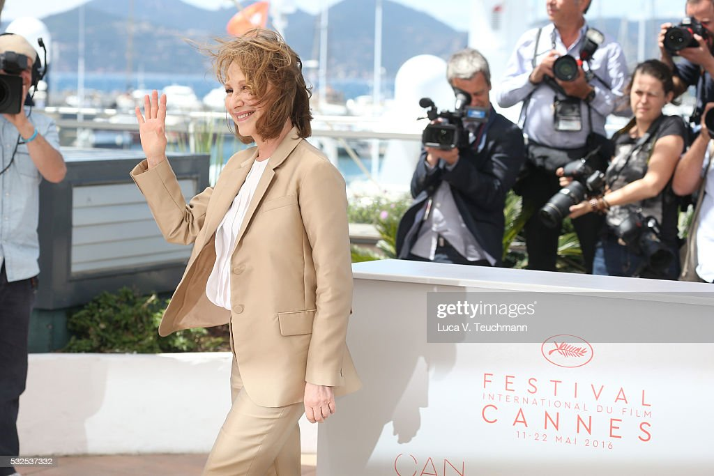 Nathalie Baye attends the 'It's Only The End Of The World (Juste La Fin Du Monde)' Photocall during the 69th annual Cannes Film Festival at the Palais des Festivals on May 19, 2016 in Cannes, France.