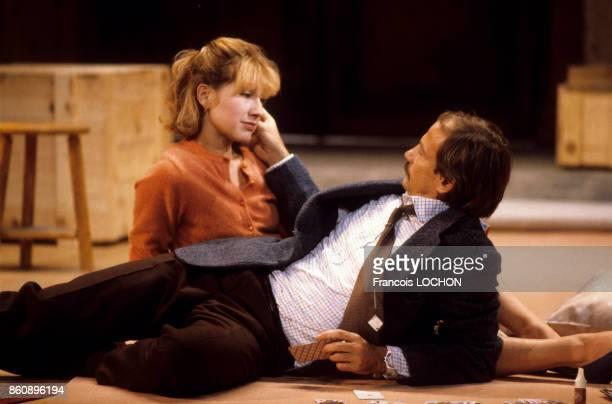 Nathalie Baye et Patrick Chesnais dans la pièce de théâtre 'Adriana Monti' le 18 septembre 1986 à Paris France