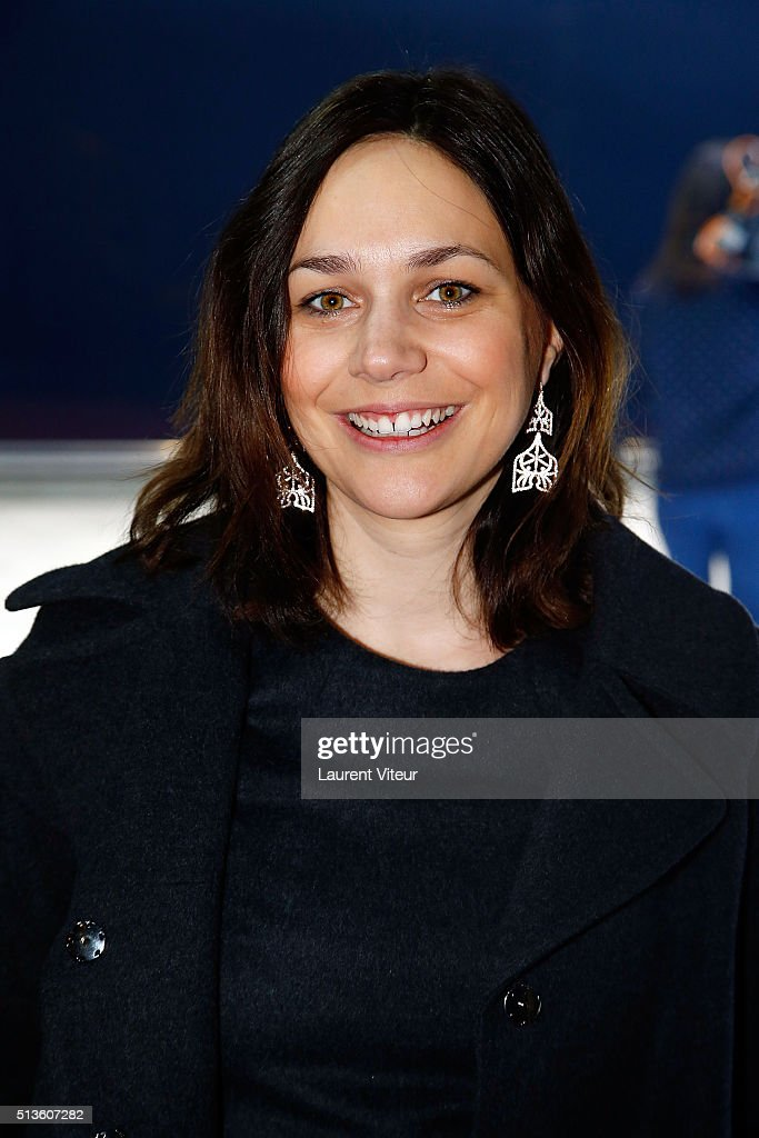 Holiday on ice premiere in paris getty images for Pechalat nathalie photos