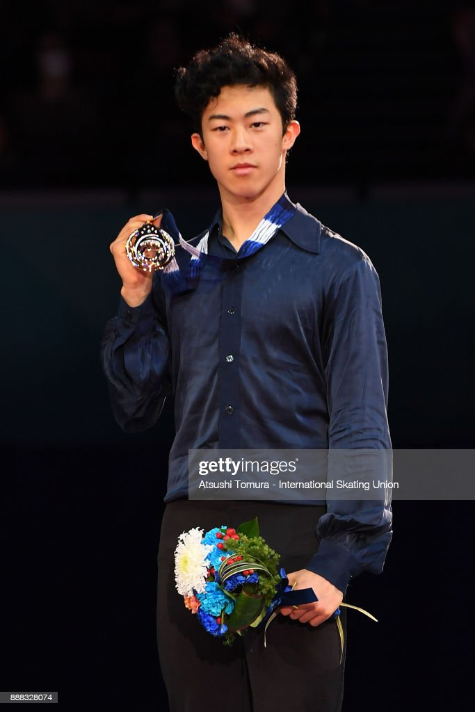 Нэтан Чен / Nathan CHEN USA - Страница 5 Nathan-chen-of-the-usa-poses-on-the-podium-after-competing-in-the-men-picture-id888328074