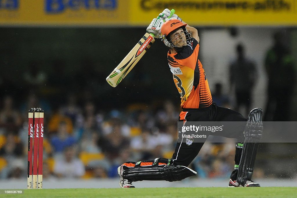 Nathan Coulter-Nile of the Scorchers bats during the Big Bash League match between the Brisbane Heat and the Perth Scorchers at The Gabba on December 18, 2012 in Brisbane, Australia.